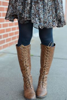 Lace Up Tall Boots shoes, Tall lace up boots womens fashion boots - Fashion Fashion Boots, Fashion Outfits, Womens Fashion, Fashion Fashion, Tall Lace Up Boots, Laced Boots, Ugg Boots, What To Wear, Autumn Fashion