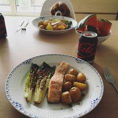 Frokostdate med @lineroager 👩❤️👩🍴 #fitfamdk #🐶 grillad nypotatis färskpotatis grilladlax havssalt flingsalt grillmat grillat grillade sallad colazero Fav favs lax grillsallad LCHQ todo