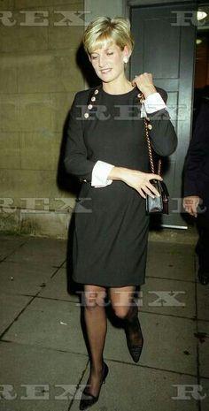 Princess Diana Hair, Princess Kate, Princess Of Wales, Princesa Diana, Princesa Real, Lady Diana Spencer, Diana Fashion, Royal Fashion, Diana Williams