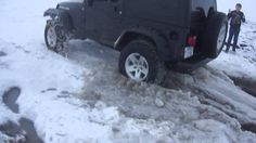 Jeeps Stuck in Snow: Jeep Rubicon Stuck in Snow