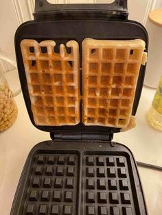 Vafler med surdeig. Uten melk og egg. Waffle Iron, Waffles, Eggs, Kitchen Appliances, Diy Kitchen Appliances, Home Appliances, Belgian Waffle Iron, Waffle, Egg