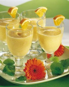 Persikkasmoothie | K-ruoka #smoothie Food N, Food And Drink, How To Make Drinks, Frappe, Smoothies, Alcoholic Drinks, Bakery, Healthy Living, Homemade