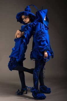 This project evokes the French Gardens and aims to present multifunctional, multifaceted, surprising pieces. 3D effects are created through fabric manipulation, fabric texture and draping techniques. Large, transforming headpieces are the stars of the outfits.