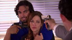 Luis se lleva a Ángela y Juan Marcos los sigue para rescatarla. Luis se niega a matar a su esposa y Fernanda le pide que la reconquiste