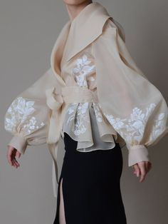 Hand painted organza jacket Silk organza blouse Elegant image 1 – блузка… - Everything About Painting Filipiniana Dress, Tea Length Skirt, Mode Abaya, Silk Organza, Organza Dress, Silk Satin, Silk Dress, Fashion Details, Couture Details