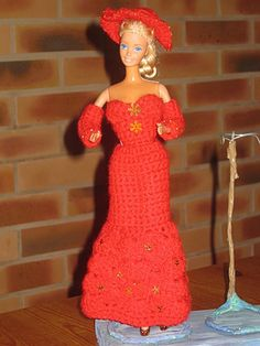 free pattern in French   http://tricotdamandine.over-blog.com/article-robe-de-soiree-rouge-82542443.html