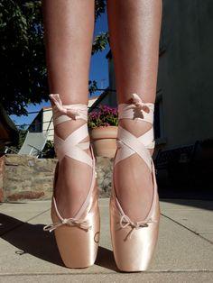 Super Ideas Put On Your Dancing Shoes Quotes Truths Ballerina Feet, Ballet Feet, Ballet Dancers, Ballerinas, Pointe Shoes, Ballet Shoes, Dance Shoes, Ballet Images, Ballet Clothes