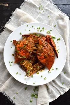 Curry Crab is such a delicious and tasty dish...you just have to try it if you haven't before! We always manage to prepare a few dishes during crab season, while the crabs are at their best. I had this dish in Macau last year, and I knew I had to replicate it at home.