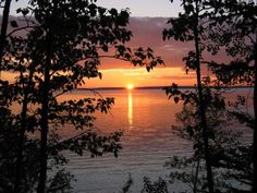 Waskesiu Lake Landscape Photos, Landscape Photography, Places To Travel, Places To Visit, Sky Art, Sunset Pictures, Fauna, Amazing Nature, Nice View