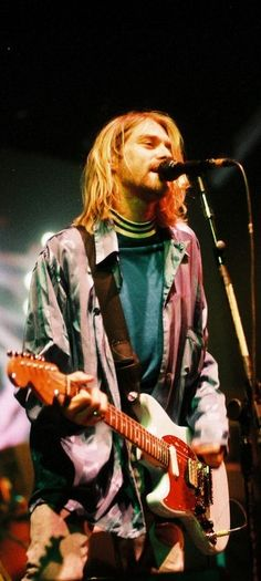 Kurt Cobain on stage #Nirvana