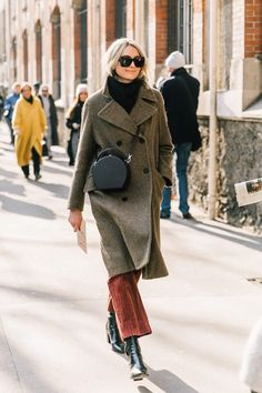 Meet the Winter Outfit Formula You Can Wear Just About Anywhere (Le Fashion) - Outfits for Work - Winter Outfits for Work Mode Outfits, Fashion Outfits, Womens Fashion, Fashion Trends, Fashion Clothes, Fashion Guide, Fashion Bloggers, Fashion 2017, Ladies Fashion