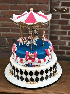 Carrousel cake 🎪🎂  www.sillybakery.nl