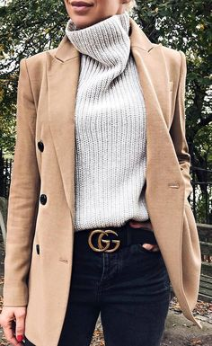 how to wear a knit sweater : nude blazer and black jeans