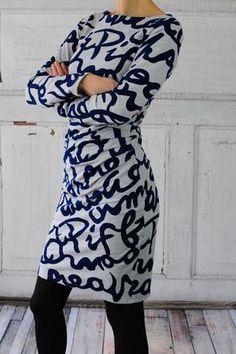 Habe ich euch schon meinen absoluten Mama-Lieblingsschnitt gezeigt? Die Suzinka nach dem Design von Susalabim ist ein wunderbarer Kleiderschnitt – asymmetrisch, körpernah und trotzdem ein super Bau…