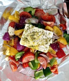 Hella & houkutus: Grillattu fetasalaatti Veggie Recipes, Healthy Dinner Recipes, Vegetarian Recipes, Healthy Cooking, Healthy Eating, Cooking Recipes, Cook At Home, Everyday Food, I Love Food