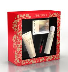 Shiseido Bio-Performance Advanced Super Revitalizing Cream Holiday Kit    Only£75.00 FREE Delivery  Value £119