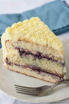 Lemon Blueberry Cake - I love lemon cake. It is onle of my favorite cake flavors Brownie Desserts, Sweet Desserts, Just Desserts, Delicious Desserts, Health Desserts, Yummy Food, Lemon Recipes, Baking Recipes, Sweet Recipes