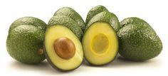 La palta o aguacate es un tipo único de fruta.La mayoría de las frutas consisten primordialmente de carbohidratos, mientras que la palta es alta en grasas saludables. Numerosos estudios muestran que es enormemente beneficiosa para la salud, y aquí presentamos 12 de sus principales puntos fuertes. 1. Es increíblemente nutritiva La palta es el fruto del árbol Persea americana y se la valora por su gran valor nutritivo. Así, se la agrega a una amplia variedad de platos gracias a su buen sabor…