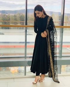 outfit in 2019 indian dresses, indian designer suits, indian designe Pakistani Dress Design, Pakistani Outfits, Eid Outfits, Black Pakistani Dress, Pakistani Gowns, Pakistani Clothing, Pakistani Couture, Dress Indian Style, Indian Dresses
