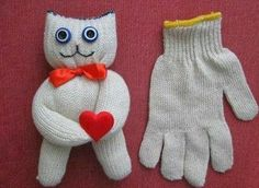 DIY a toy from old gloves