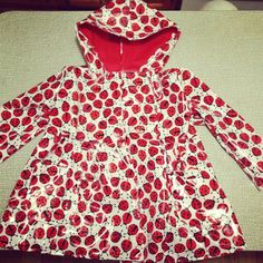 I made a raincoat for my niece!