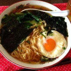 昨夜食べた豚しゃぶのスープを使いましたあっさり+コクありで美味しかった☺ - 13件のもぐもぐ - 醤油ラーメン by tabajun