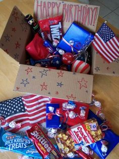 Decorate the inside & outside of the boxes! Sometimes Creative: Yankee Doodle Birthday Package Missionary Care Packages, Deployment Care Packages, Missionary Mom, Missionary Letters, Craft Gifts, Diy Gifts, Soldier Care Packages, Birthday Packages, Wraps