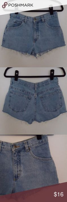 Mixed Intimate Items Charitable Garage Juniors Destroyed Blue Jeans Flirty Short Cuffed Stretch Size 3 Euc