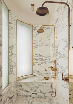world of interiors via Habitually Chic® Gold in the bath World Of Interiors, Small Bathroom Decor, Marble Showers, Bathroom Inspiration, Bathroom Decor, Bathrooms Remodel, Beautiful Bathrooms, Luxury Bathroom, Bathroom Design