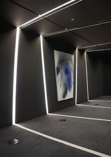 I like Dantes' comment about the ability of light to work to frame space. This image demonstrates the role our perceptions play in spatial understanding.