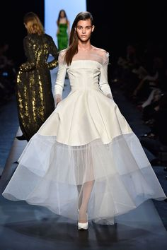 39 Dream Wedding Dresses Straight From The Couture Runways Jean-Paul Gaultier Couture Week, Paris Couture, Couture Fashion, Couture 2015, Spring Couture, Dress Fashion, Fashion Outfits, Classic Wedding Dress, Dream Wedding Dresses