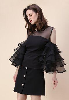 Vintage Tops, Blouse Vintage, Black Cold Shoulder Top, Cold Shoulder Shirt, Western Dresses, Western Outfits, Western Dress Online Shopping, Indie, Off Shoulder Dresses