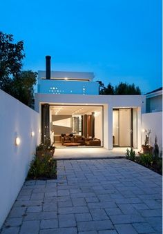 simple backyard garden open plan house design