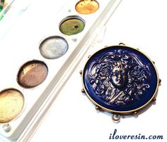I LOVE RESIN: Giving Resin Obsession Bright Blue pigment colored resin a vintage metal look