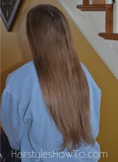 her hair is so long & pretty!