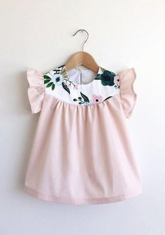 Marya at Swallow's Return designs and makes the sweetest cotton dresses, blouses, rompers and bloomers for babies and girls aged 0 to 5 years. Baby Girl Fashion, Toddler Fashion, Kids Fashion, Fashion Clothes, Babies Fashion, Fashion Shirts, Jeans Fashion, Young Fashion, Winter Fashion
