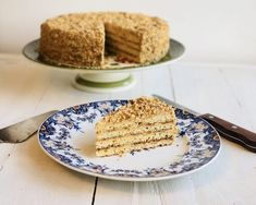 Prăjitură Physha, foi cu miere și cacao, cremă de vanilie și glazură de ciocolată - Chef Nicolaie Tomescu Ale, Caramel, Sweets, Bread, Baking, Desserts, Recipes, Food, Bunny Images