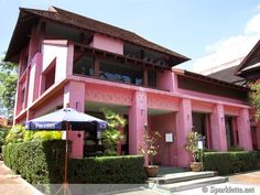 Pink tea house in Chiang Mai, Thailand— As seen on Sparklette.net