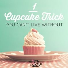 Betcha thought you knew how to eat a cupcake, right? You might know ONE way to eat a cupcake, but probably not the RIGHT way. This trick will help you get it done gracefully (and without frosting everywhere)! http://thestir.cafemom.com/food_party/185443/life_hacks_the_cupcakeeating_trick