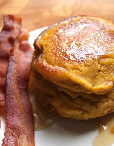 Pumpkin pancakes - perfect for fall and a Thanksgiving brunch