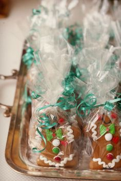 Mr. and Mrs. Gingerbreadmen Favors | Alison Conklin Photography | TheKnot.com