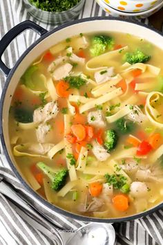 Roast Chicken & Vegetables - Spend With Pennies Chicken Rice Soup, Vegetable Soup With Chicken, Vegetable Soup Recipes, Chicken Soup Recipes, Chicken And Vegetables, Fresh Vegetables, Roast Chicken, Chicken Stuffing, Chicken Soup For Colds