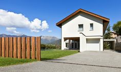 laminate fence by FANCY FENCE, rising gate open