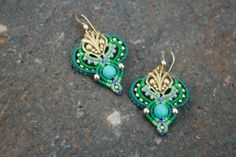 Romantic blue green gold earrings por yasminsjewelry en Etsy