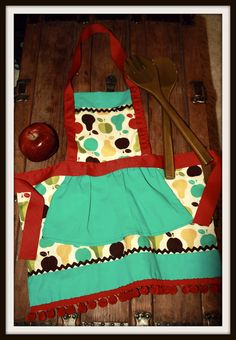 Pearberry Children's Apron by SweetMagnoliaJune on Etsy, $28.00