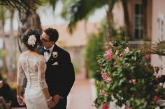 romantic brides draped in lace real wedding 1