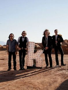The Killers, en directo, online y con Werner Herzog Music Is Life, Live Music, Good Music, My Music, Love Band, Great Bands, Cool Bands, The Killers, Brandon Flowers