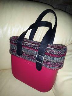 Il bordo in lana di Antonietta con due varianti di manici. Calda e natalizia <3 Ci piace!! #Obag #ObagFan #Mixandmatch