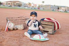 #oneyearoldcakesmashphoto. #Birthdayboy #oneyearold photography #baseball…