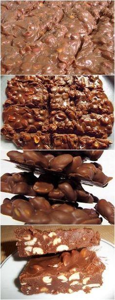 Pessoal pé de moleque já é gostoso imagine de chocolate..hummm veja aqui>>>Levar ao fogo baixo o leite condensado, o açúcar, a margarina e o chocolate Mexer até desprender do fundo da panela 10 minutos #receita#bolo#torta#doce#sobremesa#aniversario#pudim#mousse#pave#Cheesecake#chocolate#confeitaria